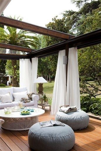 une pergola pour votre jardin moving tahiti. Black Bedroom Furniture Sets. Home Design Ideas