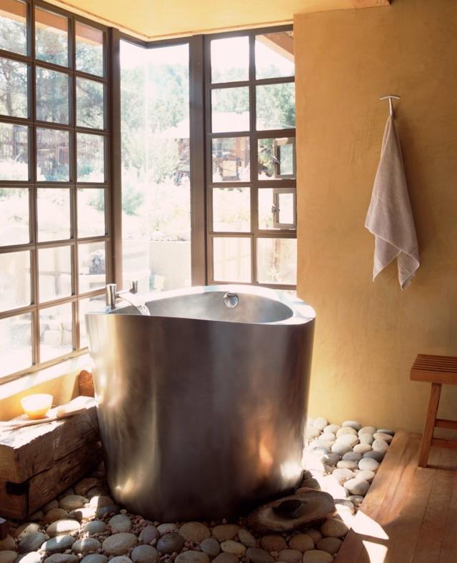 Une salle de bain japonaise moving tahiti - Decoration salle de bain japonaise ...