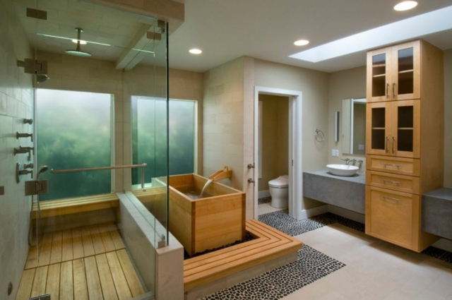 une salle de bain japonaise moving tahiti. Black Bedroom Furniture Sets. Home Design Ideas