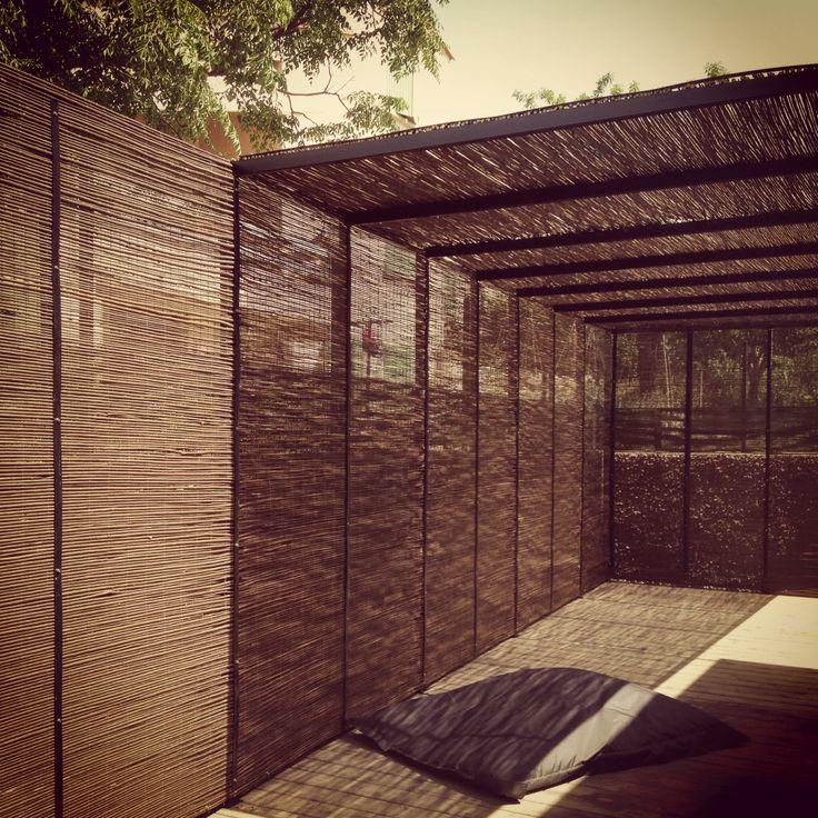 Un brise vue pour votre jardin moving tahiti for Decoration osier pour jardin