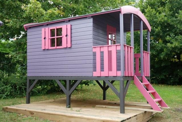 Une mini maison dans votre jardin pour le bonheur de vos for Maison bois enfant jardin