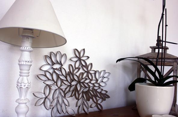 diy une mosa que avec des rouleaux de papier toilette. Black Bedroom Furniture Sets. Home Design Ideas