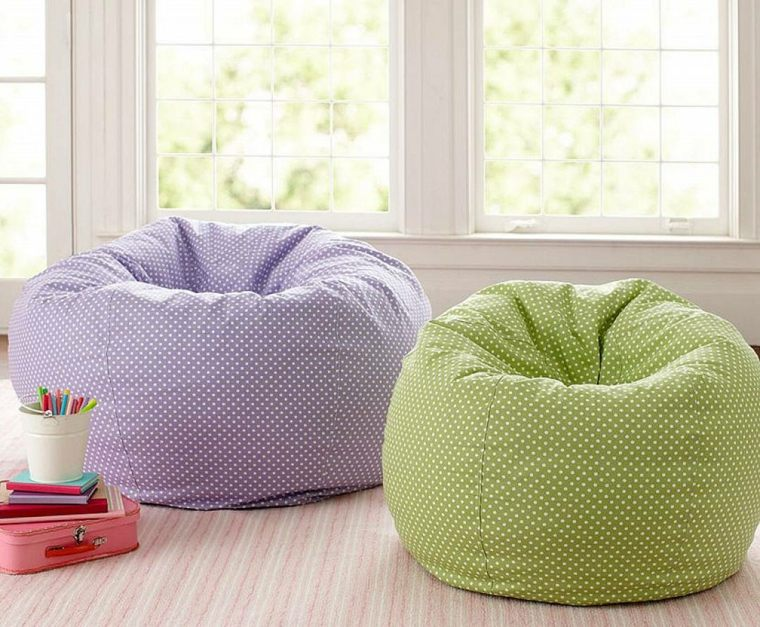pouf chambre enfant perfect pouf chambre fille petit pouf. Black Bedroom Furniture Sets. Home Design Ideas