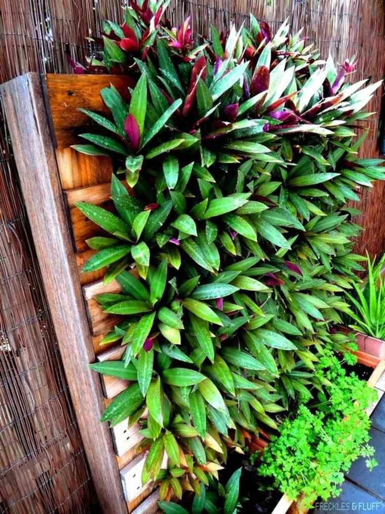 un jardin ou un potager vertical l 39 int rieur ou l. Black Bedroom Furniture Sets. Home Design Ideas