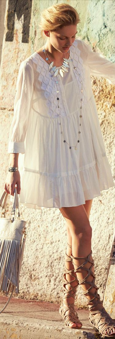 Une robe blanche chic ou boh me on aime moving tahiti - Ou trouver une robe annee 20 ...
