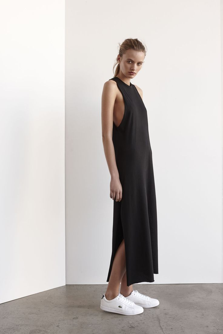 comment porter une robe avec des baskets moving tahiti. Black Bedroom Furniture Sets. Home Design Ideas