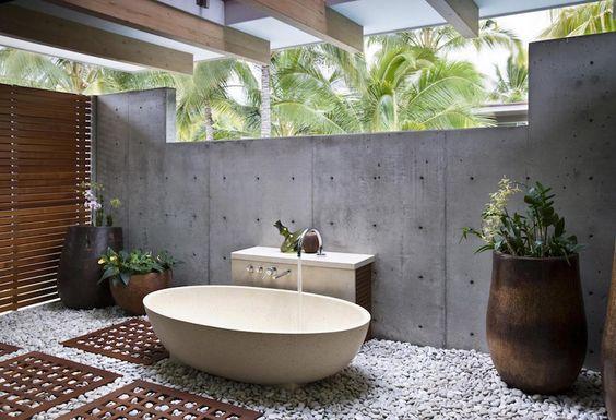 Sublimez votre salle de bain avec des galets moving tahiti - Sol en galets salle de bain ...