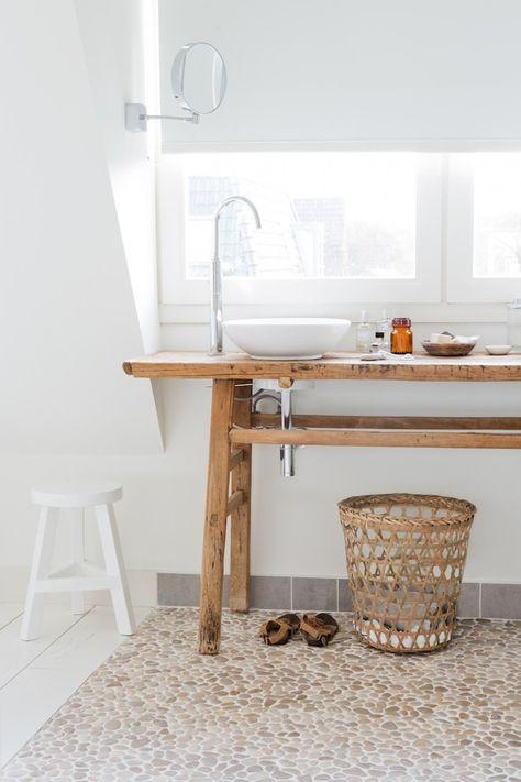 Sublimez votre salle de bain avec des galets moving tahiti for Galets salle de bain
